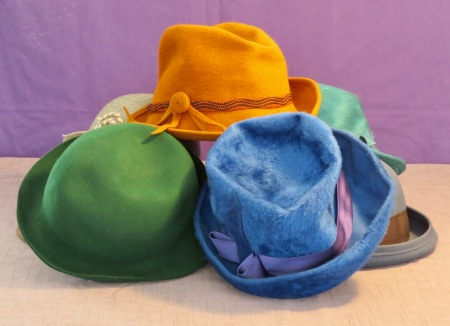 6159ea5f7 painting hats | Barry Coombs Art Workshops